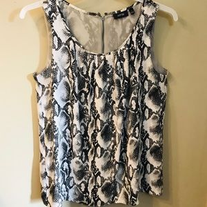 Snakeskin sleeveless top - size Large